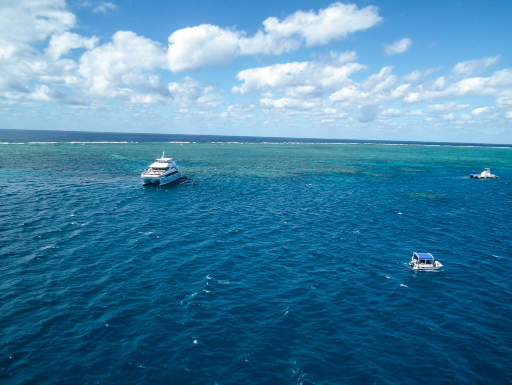 snorkelling-great-barrier-reef-queensland