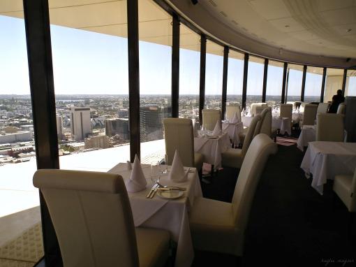 c-restaurant-dining