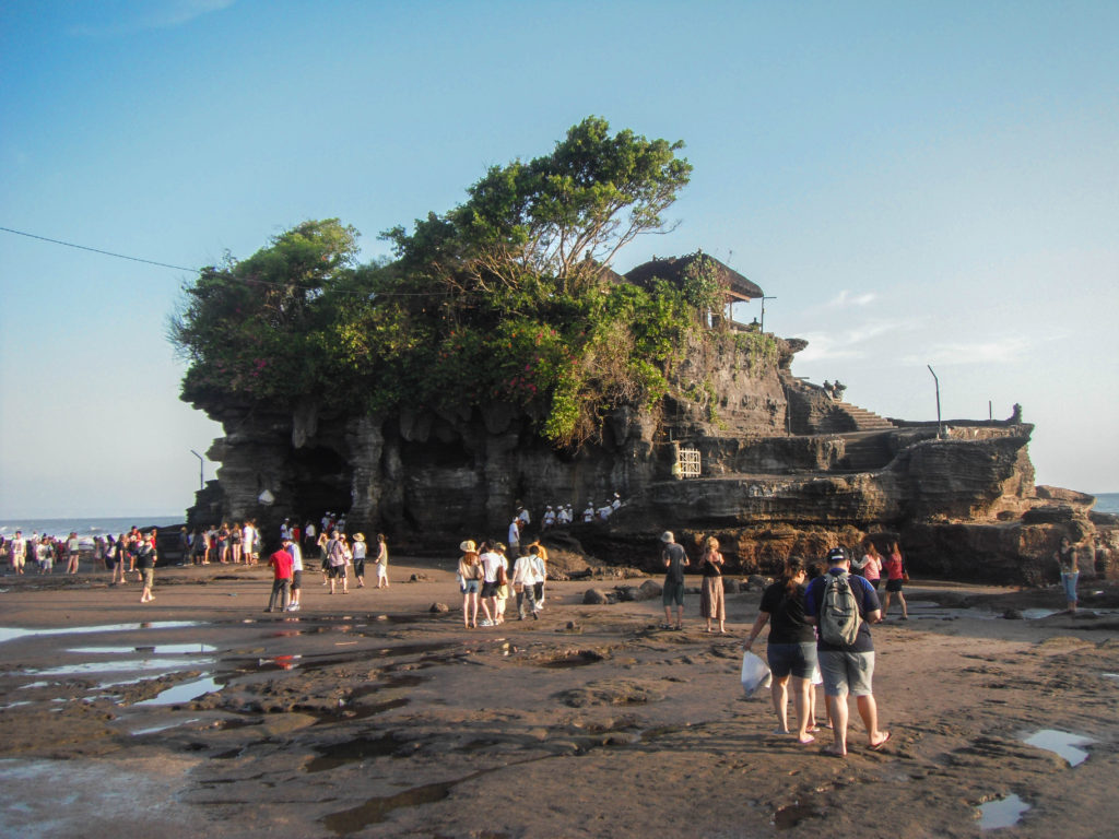 tanah-lot-temple-temples-to-visit-in-bali-indonesia